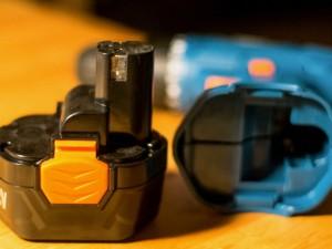 Как правильно хранить аккумулятор от шуруповерта?